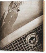 1959 Nash Metropolitan 1500 Convertible Hood Ornament - Grille Emblem -0180s Wood Print
