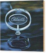 1975 Oldsmobile Hood Ornament Wood Print