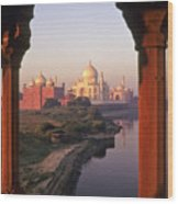 Taj Mahal At Sunrise Wood Print