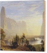 Yosemite Valley Wood Print