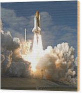 Space Shuttle Atlantis Lifts Wood Print by Stocktrek Images