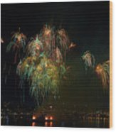 4th Of July Fireworks From The Barge Portland Oregon Wood Print
