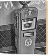 50's Gas Pump Bw Wood Print