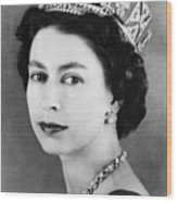 British Royalty. Queen Elizabeth II Wood Print by Everett