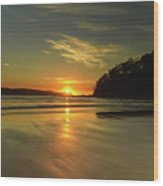 Sunrise Seascape From The Beach Wood Print