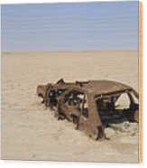 Abandoned And Rusty Car Wreck In Desert Wood Print