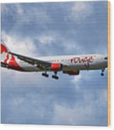 Air Canada Rouge Boeing 767-35h 118 Wood Print