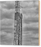 Alabama Oil Production In Black And White Wood Print