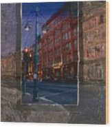 Ale House And Street Lamp Wood Print