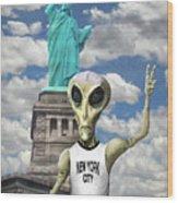 Alien Vacation - New York City Wood Print