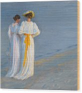 Anna Ancher And Marie Kroyer On The Beach At Skagen Wood Print