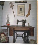 antique Singer sewing machine with treadle Wood Print
