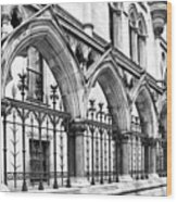 Arches Front Of The Royal Courts Of Justice London Wood Print