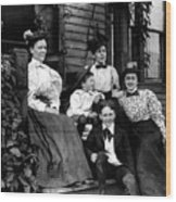 Aunt Emma, Morris, Edith, Fred And Charles On Porch June 12, '97 Wood Print