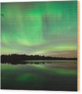 Aurora Over Tofte Lake Wood Print