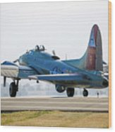 B17 Flying Fortress Cleared For Takeoff At Livermore Wood Print