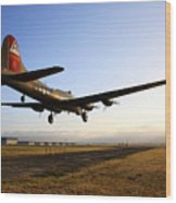 B17 Flying Fortress Lands At Livermore Klvk Wood Print