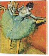 Ballet Dancers At The Barre Wood Print