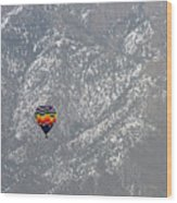 Ballon Verses Mountain Wood Print