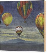 Balloons Over Sister Mountains Wood Print