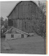 Barn 19 Wood Print