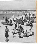 Beach Scene At Cape Cod Wood Print