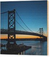 Ben Franklin Bridge In Philadelphia At Dawn Wood Print