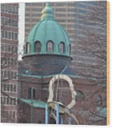 Ben Franklin Sculpture And St Peters Basilica Philadelphia Wood Print