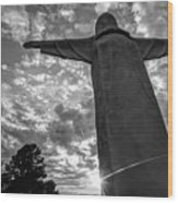 Big Jesus - Christ Of The Ozarks In Black And White Wood Print
