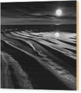 Black And White Beach - Low Tide Wood Print