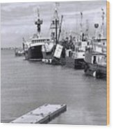 Black And White Fishing Boats On The Dock Wood Print