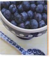 Blueberries In Polish Pottery Bowl Wood Print
