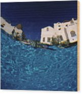 Blurred View Of A Hotel From Underwater Wood Print