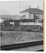 Bnsf Locomotive On Ns 192 Bw Wood Print