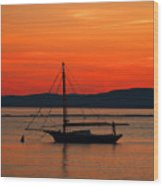 Boat At Champlain Sun-set Wood Print
