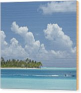 Boating In A Tahitian Lagoon Wood Print