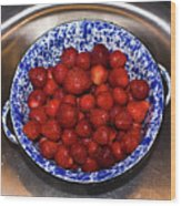 Bowl Of Strawberries 1 Wood Print by Douglas Barnett