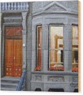 Brooklyn Brownstone Window Wood Print