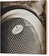 Bugatti Veyron Legend Grille Emblem -0514s Wood Print