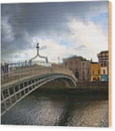 Busy Ha'penny Bridge 4 Wood Print