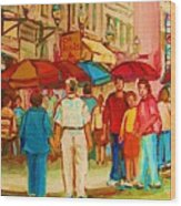 Cafe Crowds Wood Print