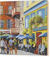 Cafe In The Old Quebec Wood Print