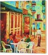Cafe Vienne Wood Print