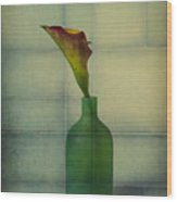 Calla Lily In Green Vase Wood Print