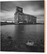 Cargill Grain Lies Quietly On The Shores Of Lake Erie Wood Print