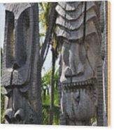 Carved Statues At Puuhonua O Honaunau National Historical Park Wood Print