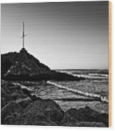Cave Rock Cross Black N White Wood Print