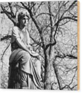 Cemetary Statue B-w Wood Print
