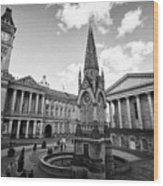chamberlain memorial in chamberlain square with Birmingham museum and art gallery and town hall UK Wood Print
