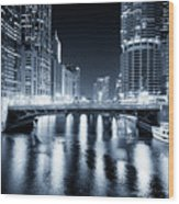 Chicago River At State Street Bridge Wood Print by Paul Velgos